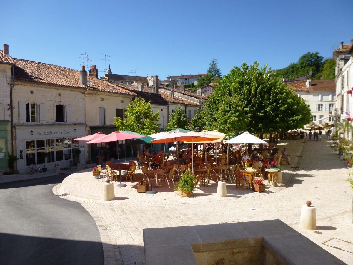 your holiday with french locals